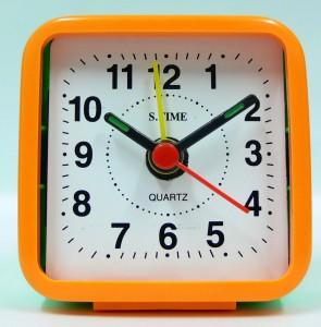 นาฬิกาปลุกตั้งโต๊ะ P1240011